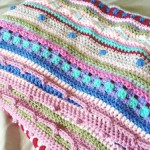 Couverture au crochet *As-we-go stripey blanket* #01
