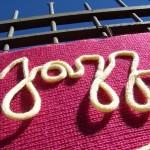 yarnbombing-luchon-000