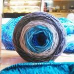 Un châle tricoté avec un seul écheveau + Au revoir Montréal